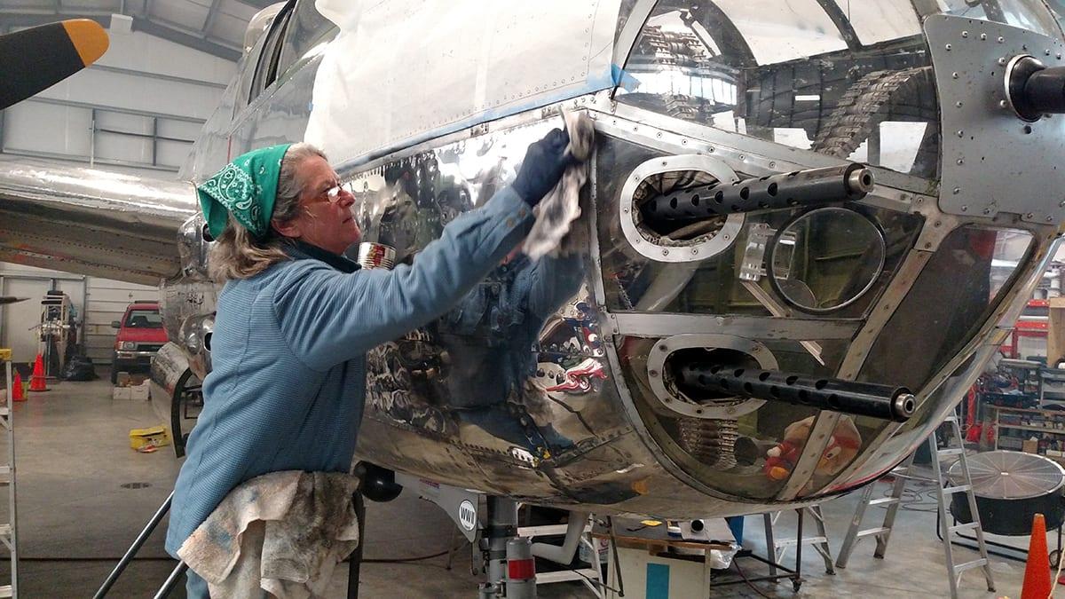 Joanne painting plane3 1200