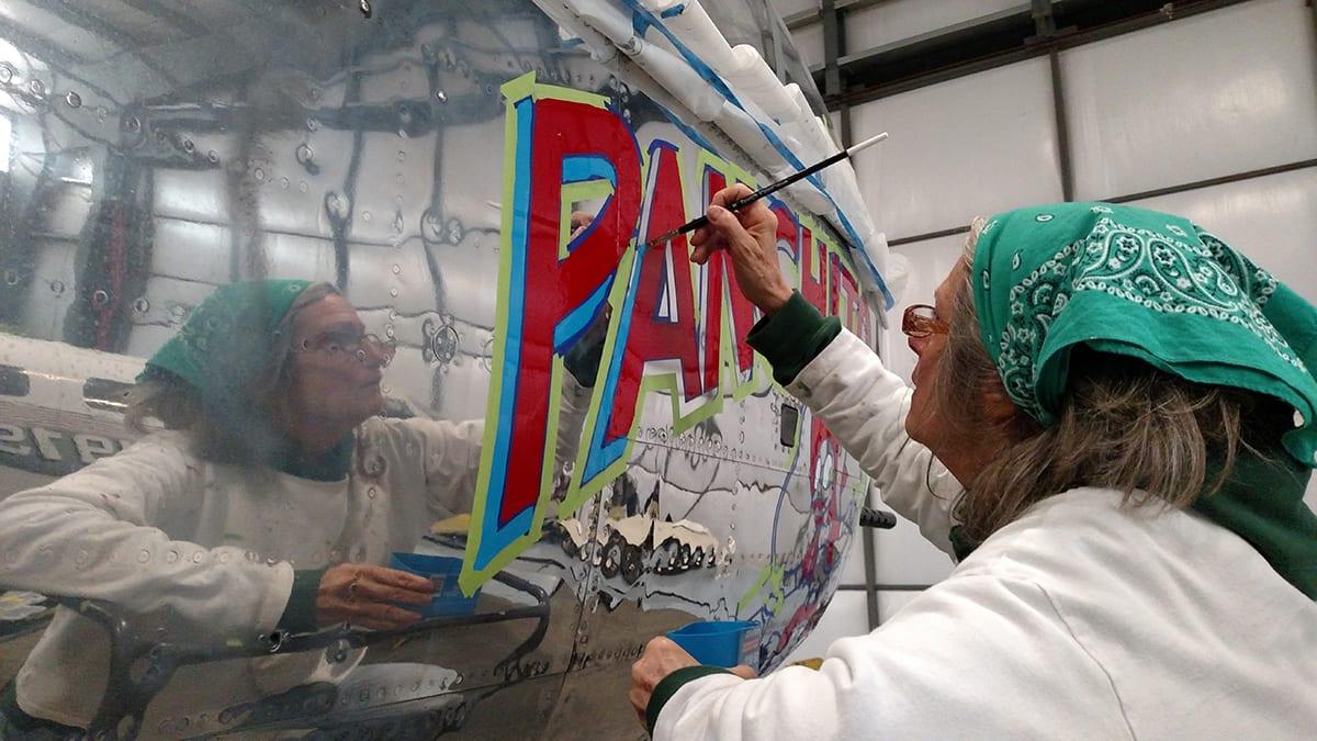 Joanne painting plane4 1200